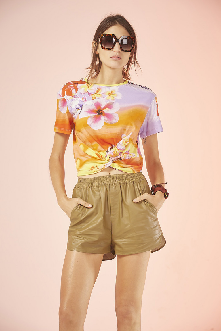 REMERA NUDO FLOWER ESTAMPADO